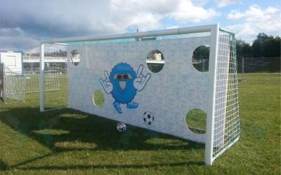 Futbolo vartai su foto siena